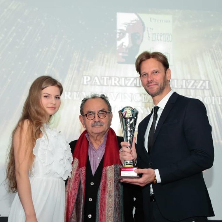 Patrizio Pelizzi riceve il Premio Vincenzo Crocitti International 1