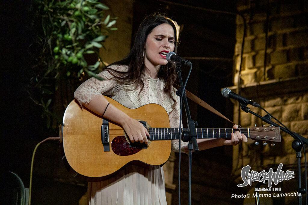 Erica Mou in concerto a Rutigliano – Live Report e Photogallery 12
