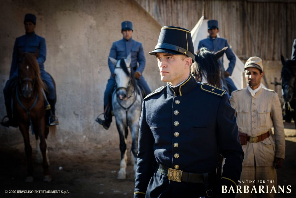 waiting for the barbarians recensione