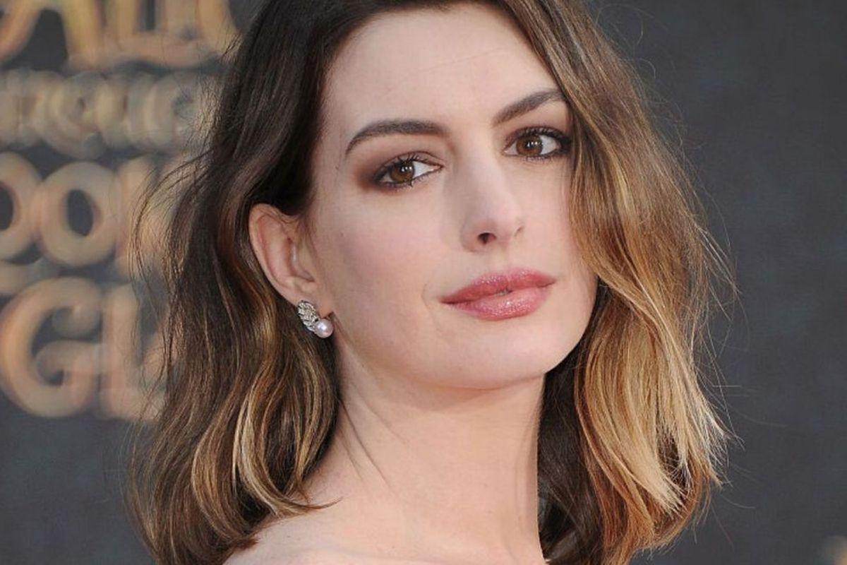 Anne Hathaway – celebriamo l'attrice nel giorno del suo 38° compleanno 1