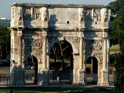 Costantino: architettura e scultura a cavallo tra mondo antico e Medioevo nel 300 d.C. 4