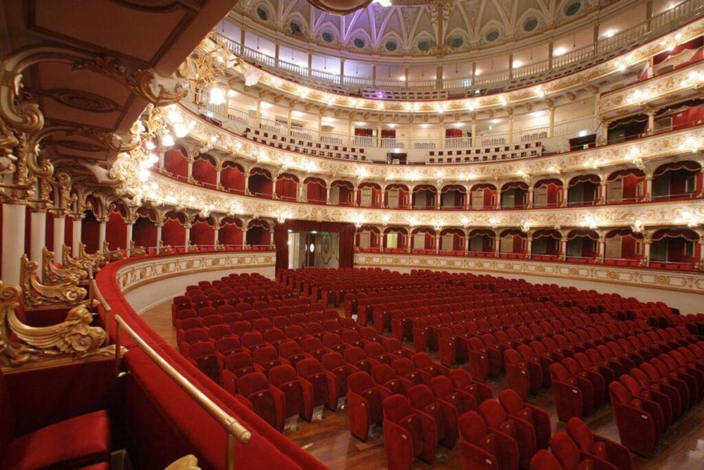 Bari, la città natale di Lolita Lobosco 5