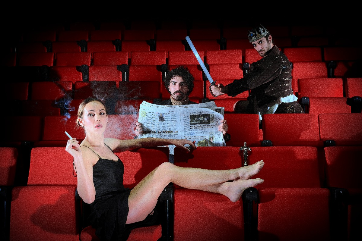 Il Rimpiazzo, lo spettacolo diretto da Federico Le Pera inaugura la nuova stagione del Teatro Lo Spazio