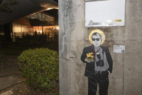 Venezia 78, la Street Artist Laika alla Mostra del Cinema per omaggiare Pietro Coccia
